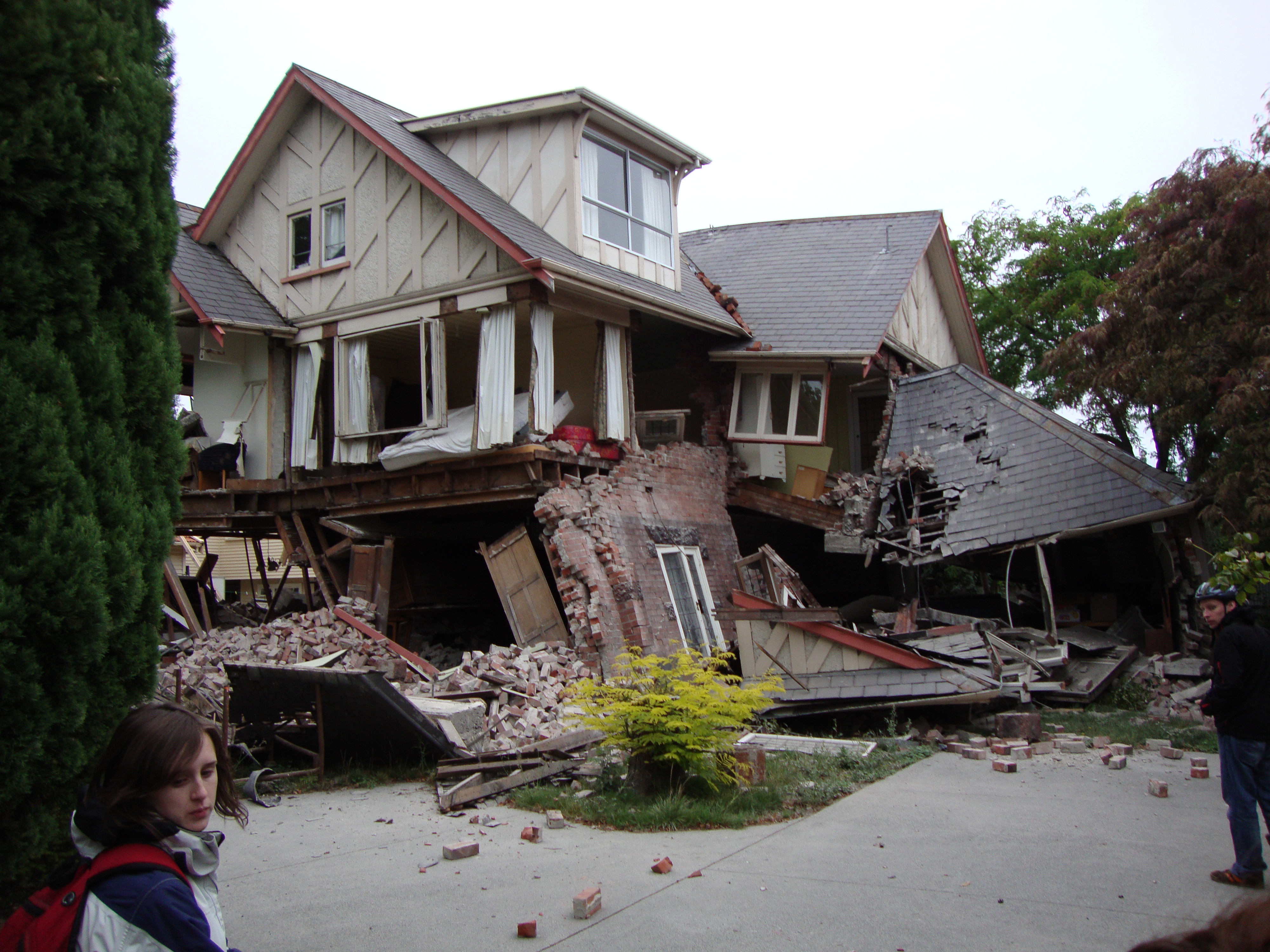 What can an earthquake teach us about database design for Where do you go in an earthquake